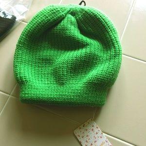 Free People 100% acrylic knit toboggan 4 BIG hairs